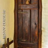 Дверь в санузел. Стиль кантри