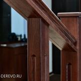 Фрагмент ограждения лестницы из дерева
