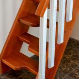 Лестница деревянная типа гусиный шаг. Бук