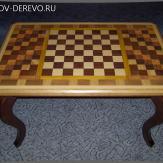 Столик шахматный из дерева