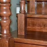 Фрагмент деревянной лестницы из ясеня