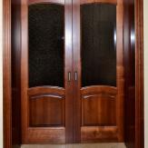 Дверь двуполая. Массив ольхи