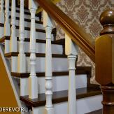 Лестница из бука цельнодеревянная