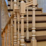 Лестница маршевая на бетоне из бука