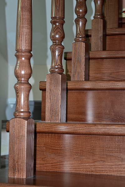 Облицовка плиткой лестницы 188