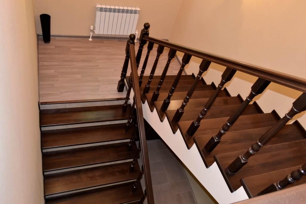 маршевые лестницы с площадкой