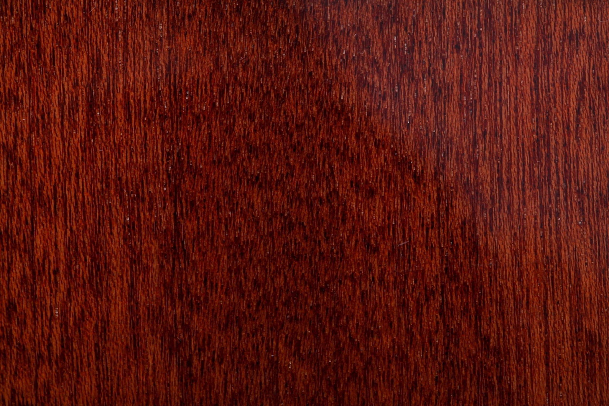 красное дерево фото древесины